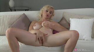 Stacked blonde MILF puts on one hell of a masturbation solo
