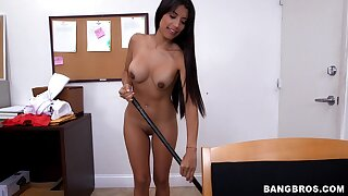 Sexy maid Soffie drops all of her clothes and gives a blowjob