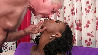 Ebony chick Shyra Foxx gets to attractiveness an older man's white cock